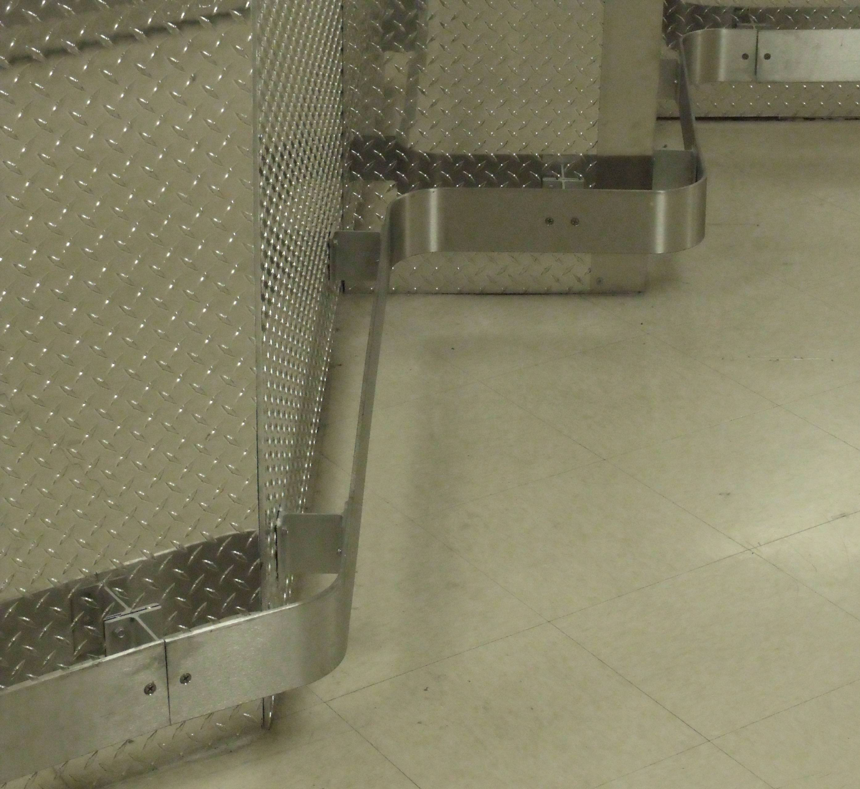 2447 Diamond Plate Wall Covering 125 Or 045