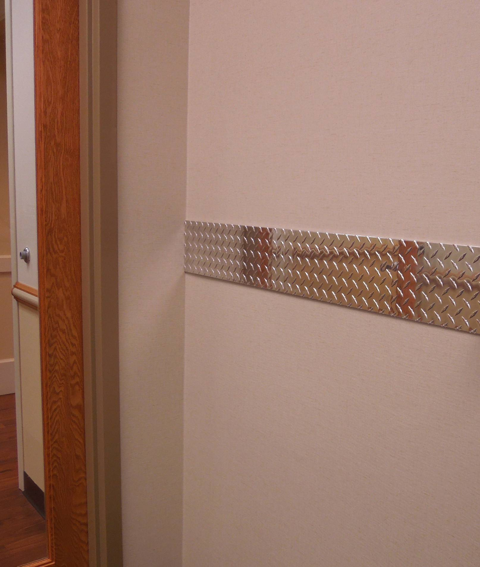 Diamond Plate Chair Rails Wallguard Com